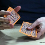 2 Karten mischende Hände